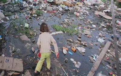 Extrema pobreza avança e é recorde em 9 Estados